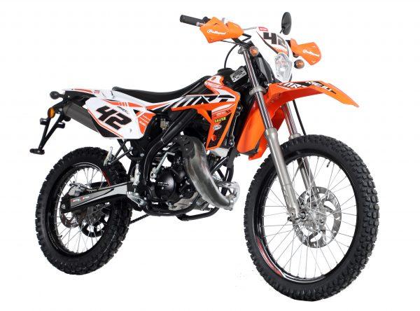 mrt50_replica_cross_orange_e5_ok_1.jpg